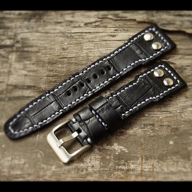 malio-straps-black-croco-pilot-style-strapsonly